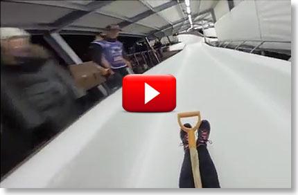 """VIDEO: Labidaga Sigulda bobisõidurada """"puhastamas"""" VIDEO: Labidaga Sigulda bobisõidurada """"puhastamas"""" labidaga optibet video boonused 1 Ajaviide-videod Ajaviide-videod labidaga optibet video boonused 1"""